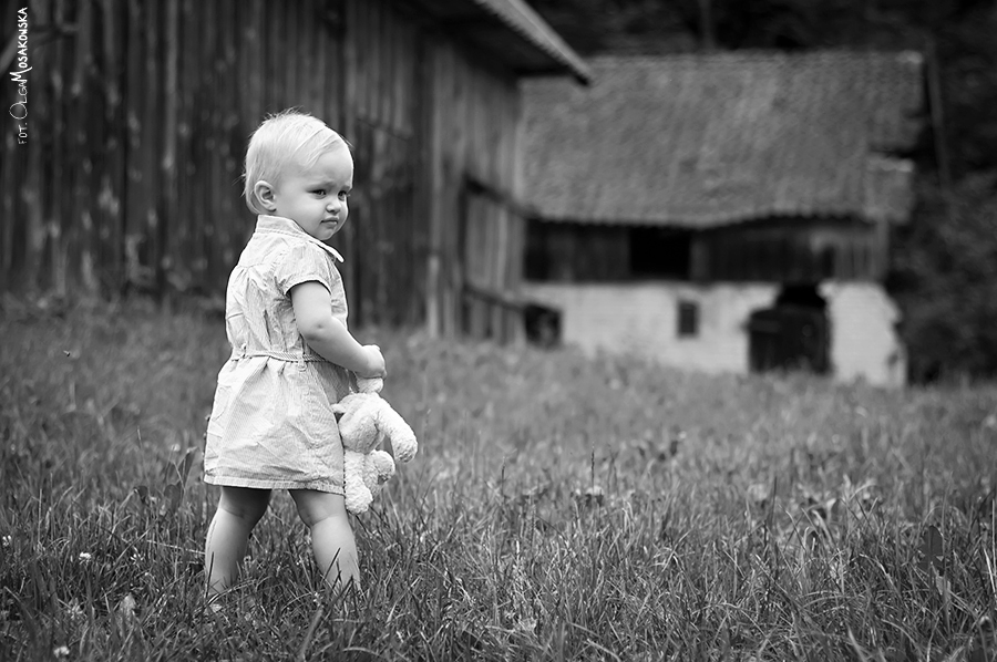 Sesja dla dziecka w plenerze. Fotograf Olsztyn.