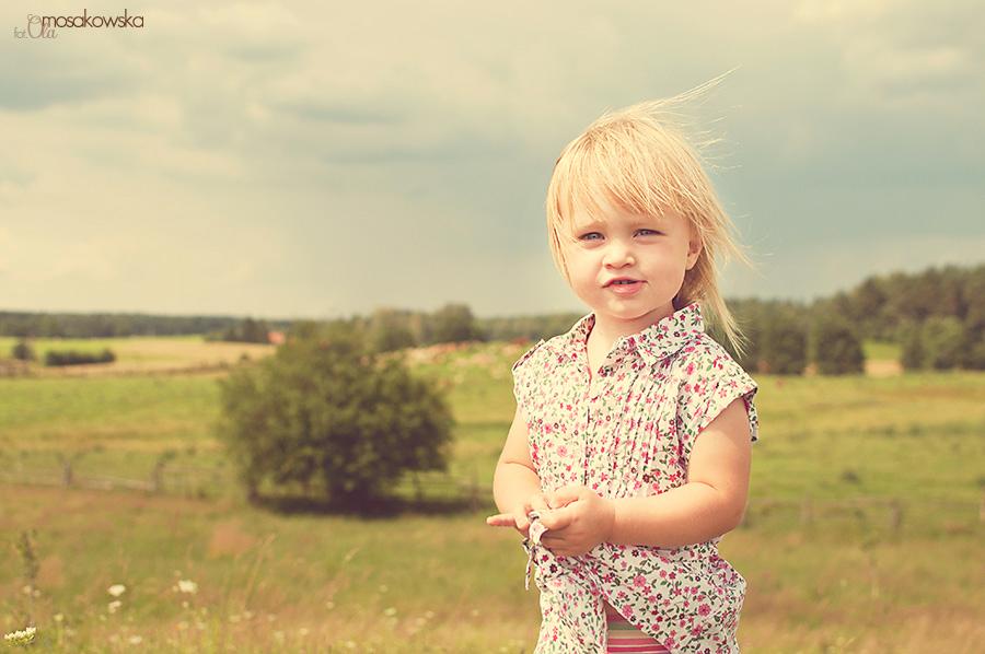 Portret dziewczynki, sesja zdjęciowa dziecka.