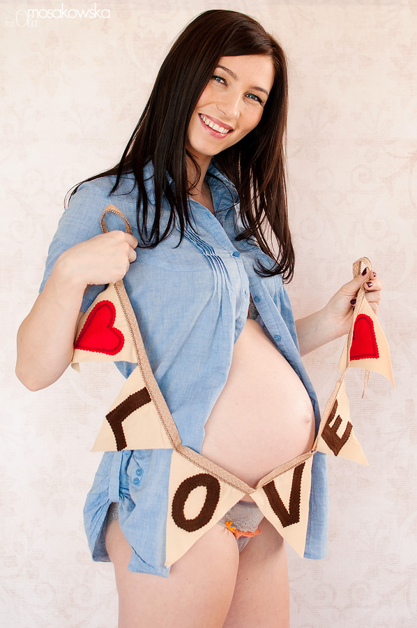 Zdjęcia ciążowe, profesjonalna sesja zdjęciowa w Olsztynie.