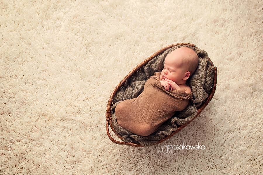 sesje zdjęciowe dla noworodków